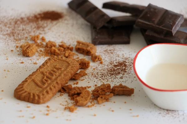 שוקולד עם עוגיות לוטוס מתכון קל