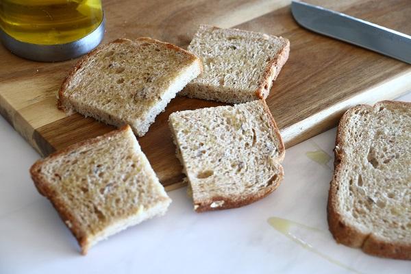 איך להכין לחם כשמכינים ברוסקטות