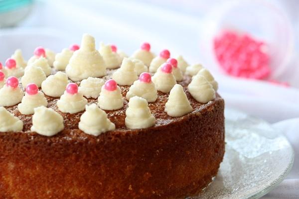 טיפים לקישוט עוגת יום הולדת לילדים ומתכון מנצח שילדים אוהבים - EshetStyle - בלוג אוכל ואירוח (צילום: טליה הדר)