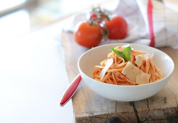 רוטב עגבניות מתכון קל | הבלוג של אשת סטייל EshetStyle (צילום: טליה הדר)