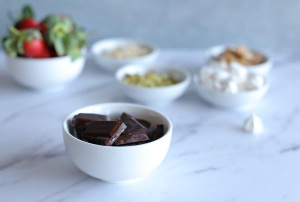 איך לצפות תותים בשוקולד _ הבלוג של אשת סטייל_טיפים פרקטיים לבית ולמטבח_EshetStyle.com (צילום: טליה הדר)