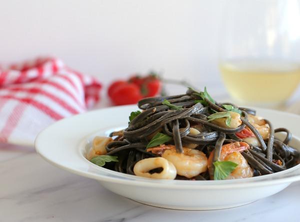 לינגוויני עפ פירות ים שמכינים בבית בקלות_מתכון קל_בלוג אוכל ואירוח (צילום: טליה הדר) EshetStyle.com