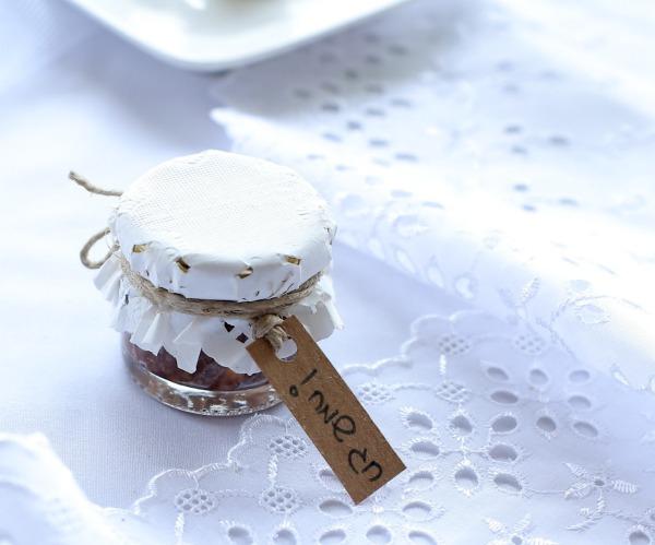 צנצנת חרוסת אישית_עיצוב שולחן בפסח_אירוח בסטייל_צילום: טליה הדר