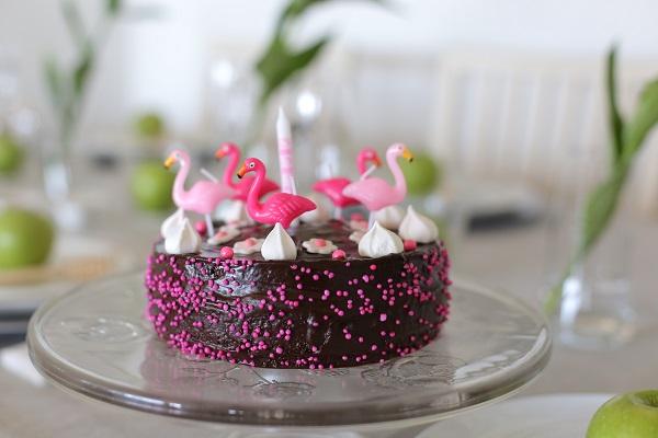 ארגון יום הולדת לילדה_שולחן מתוקים ביום הולדת_ממתקים ליום הולדת_הבלוג של טליה הדר_אשת סטייל