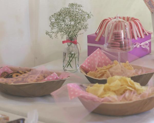 איך לקשט את כלי ההגשה לחטיפים מלוחים_ארגון יום הולדת לילדים_עיצוב שולחן ממתקים_טליה הדר_אשת סטייל