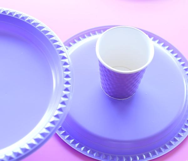 איך להכין מעמד לעוגה מצלחות חד פעמיות_טליה הדר_בלוג אשת סטייל